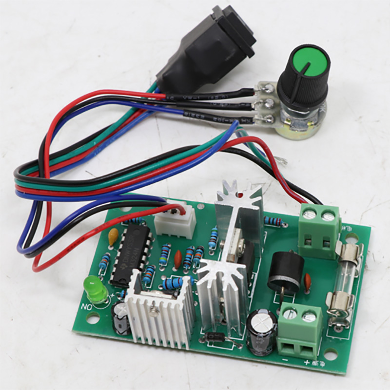 DC Motor Speed Regulator PCB 12V - 24V Motor with Controllable Positive and Negative Rotation Motor Governor Box Gear MotorDC Motor Speed Regulator PCB 12V - 24V Motor with Controllable Positive and Negative Rotation Motor Governor Box Gear Motor