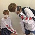 Ulzzang harajuku camisa 2017 coreano t camisa mulher estilo kawaii de manga comprida fina T-shirt das mulheres dos homens da cópia da flor rosa branca camisas