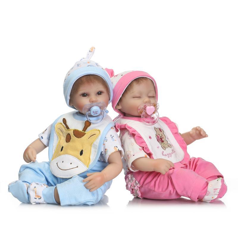 NPKCOLLECTION 40 cm Silicone reborn bébé endormi poupée toys réaliste belle nouveau-né bébés fille garçon poupées avec mamelon mode bir