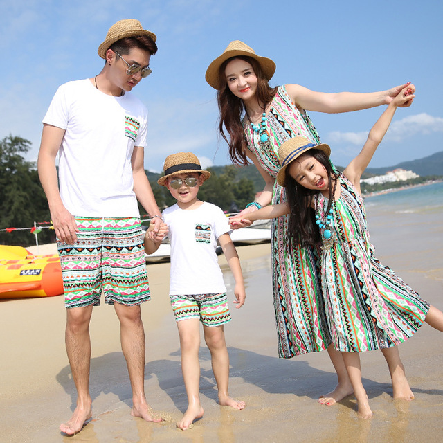 Authentic Mother Daughter Dresses Wave Pattern Family Matching Clothes Summer Cotton T shirt Family Look Beach Wear 2016