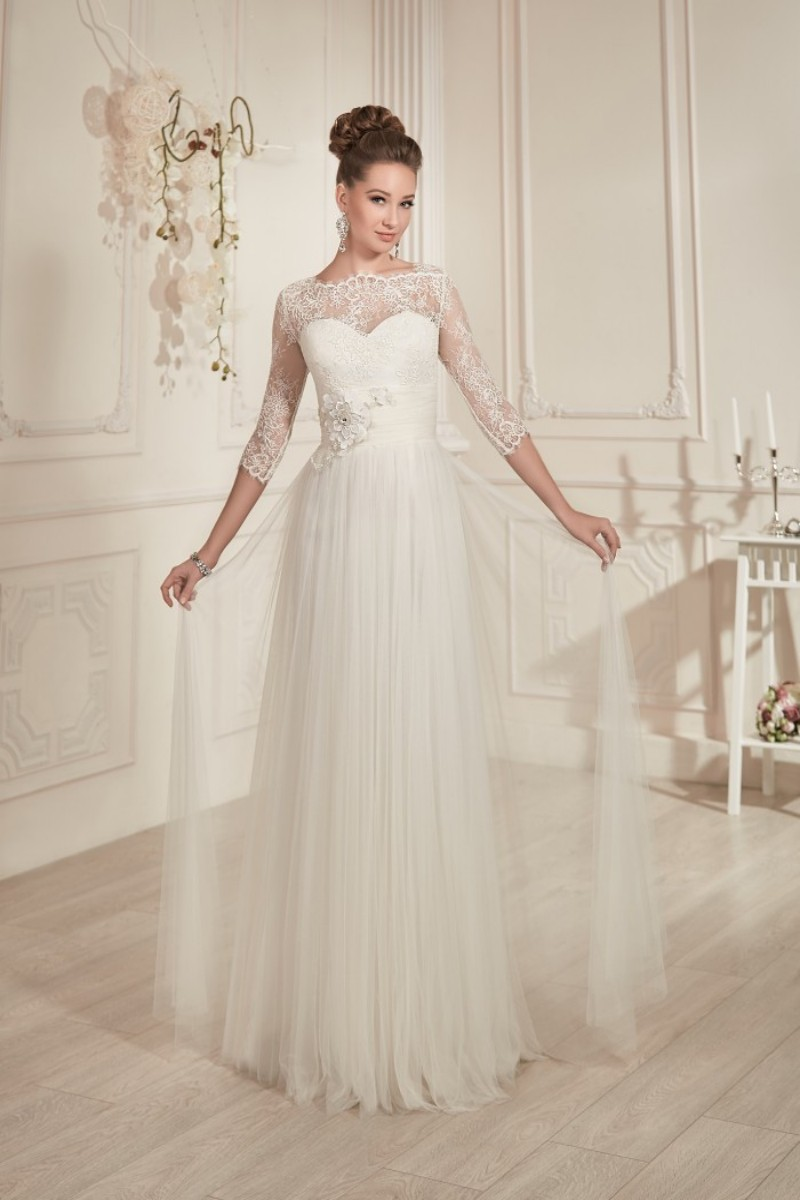 Modest classic a line floor length ivory tulle beach for Tulle a line wedding dress