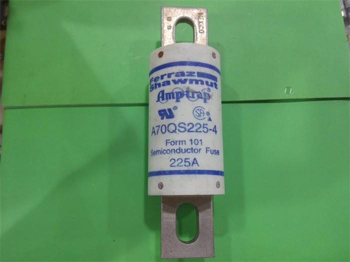 Free shipping 5pcs A70QS225-4 French fuse fuses 225A700VAC DC to ensure genuine цена