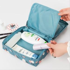Image 3 - Mode voyage Nylon beauté maquillage sacs imperméable à leau cosmétiques sacs salle de bain organisateur de femmes Portable bain crochet lavage sac