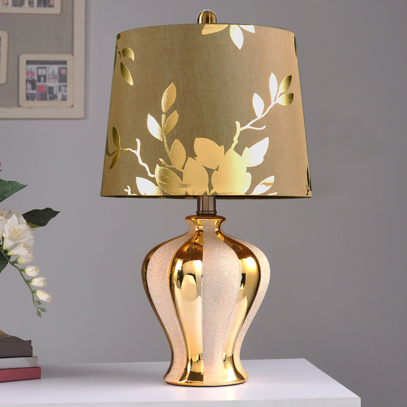 Modern ceramic table lamp hotel lamps bedroom bedside lamp gold China luxury living room lamp study table light ZA1118152 french garden vertical floor lamp modern ceramic crystal lamp hotel room bedroom floor lamps dining lamp simple bedside lights