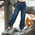 Estilo nacional Bordado Elástico Na Cintura E Punho Solto Harém Calças de Brim Das Mulheres Primavera Outono Moda de Nova Azul Das Calças de Brim Calças