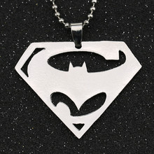 Batman V Superman aube de la Justice collier super-héros couleur argent poli pendentif DC Comics Justice League bijoux en gros(China)