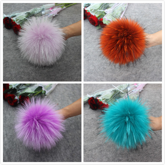Image 2 - 4pcs/lot New Color DIY Natural Real Raccoon Fur Pompoms Fluffy Genuine Fur Pom pom for Winter Hat Beanies Knitted Cap Skullies-in Men's Skullies & Beanies from Apparel Accessories