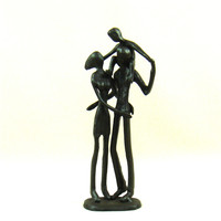 Abstract Pig Iron Parents and Kid Miniature Handmade Family Love Figure Craftworks Ornament for Home Decor and Birthday Gift