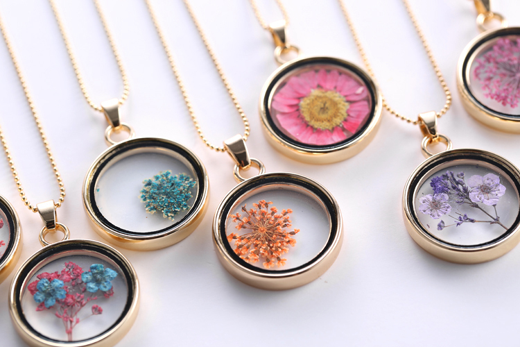 Glass locket necklaces dry flowers necklace long gold chain charm glass locket necklaces dry flowers necklace long gold chain charm memory locket necklace pendant jewelry for women girl in pendant necklaces from jewelry mozeypictures Images