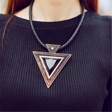 New Black Choker 2016 Leather Pendant Women Rhinestones Triangle Necklace Sweater Chain Fashion Jewlery
