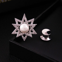 2017 Nueva moda pentágono estrellas claras piedras de LA CZ de la perla central pin collar broche de accesorios del ornamento de la joyería envío gratis