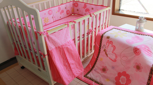 Promotion! 5PCS embroidery bed set Cot set for girls&boy crib bedding set,include(bumper+duvet+bed cover+bed skirt+diaper bag) promotion 5pcs embroidery cheap new bedding set for baby crib bed linen include bumper duvet bed cover bed skirt diaper bag
