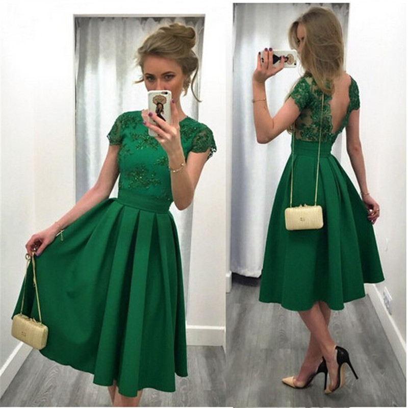 New Arrival Green Satin Short Sleeves A-Line Homecoming Dresses 2019 Scoop Appliques Beaded Sexy Backless Graduation Dress