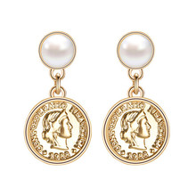 LEADERBEADS 2019 New Gold Alloy Baroque Head Coin Earrings Imitation Pearl Drop for Birthday Gift Party Jewelry