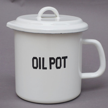 Japanese style porcelain enamel cup large household kitchen filter oil pot bottle leak proof cold water cup thickening cooker