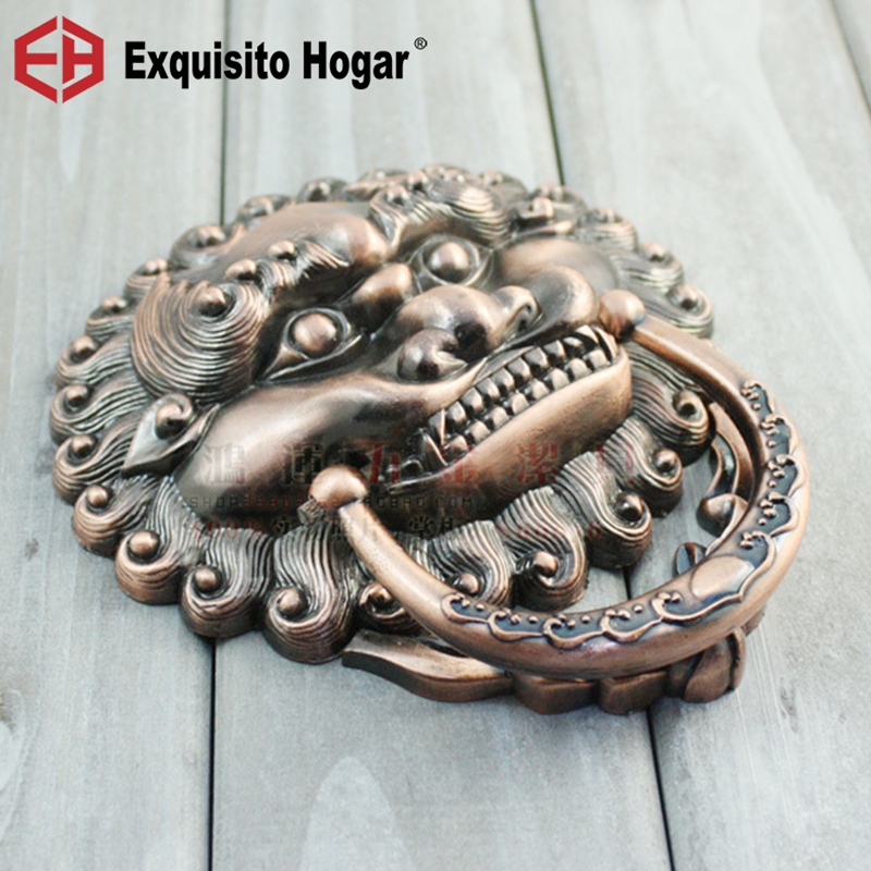 Antique Wood Doors Iron Door Handle Lion Head Handles Villa Suite Door Knock HardwareAntique Wood Doors Iron Door Handle Lion Head Handles Villa Suite Door Knock Hardware