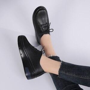Image 4 - STQ 2020 חורף נשים פלטפורמת סניקרס נעלי גבירותיי עור אמיתי תחרה עד דירות נשים קטיפה פרווה פלטפורמת דירות נעלי 1278