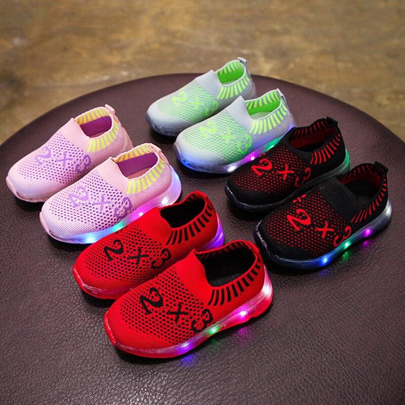 1-8 Ans Chaussures Led Enfants Maille Respirant Baskets Pour Enfants 2019 Printemps Enfants Baskets Filles Lumineuses Chaussures Garçons Légers Produire Un Effet Vers Une Vision Claire