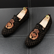 England style mens casual comfortable soft cow leather shoes embroidery rhinestone party prom wear slip on shoe zapatos loafers