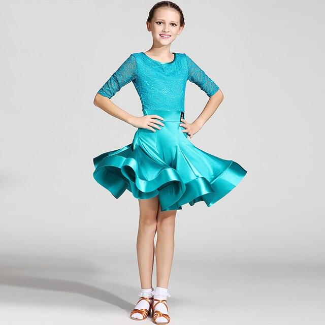 Grunes kleid blauer anzug
