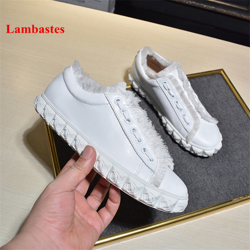White Carved Flower Designer Leather Women Sneakers 2018 New Lace Up Tassel Women Flats Platform Round Toe Casual Shoes Femme smile circle 2018 new genuine leather sneakers women lace up flats shoes women casual shoes round toe flats platform shoes c6004