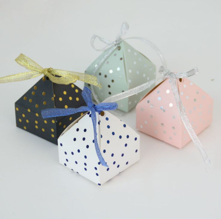 10pcs Pyramid Style Wedding Favors Supplies Dot Candy Boxes With Ribbon Gift Box Party Packaging Chocolate Box Baby Shower Favor