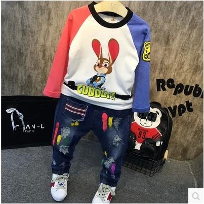 2016 Coreano crianças moda outono menino coelho dos desenhos animados T-shirt camisa da cor frete grátis