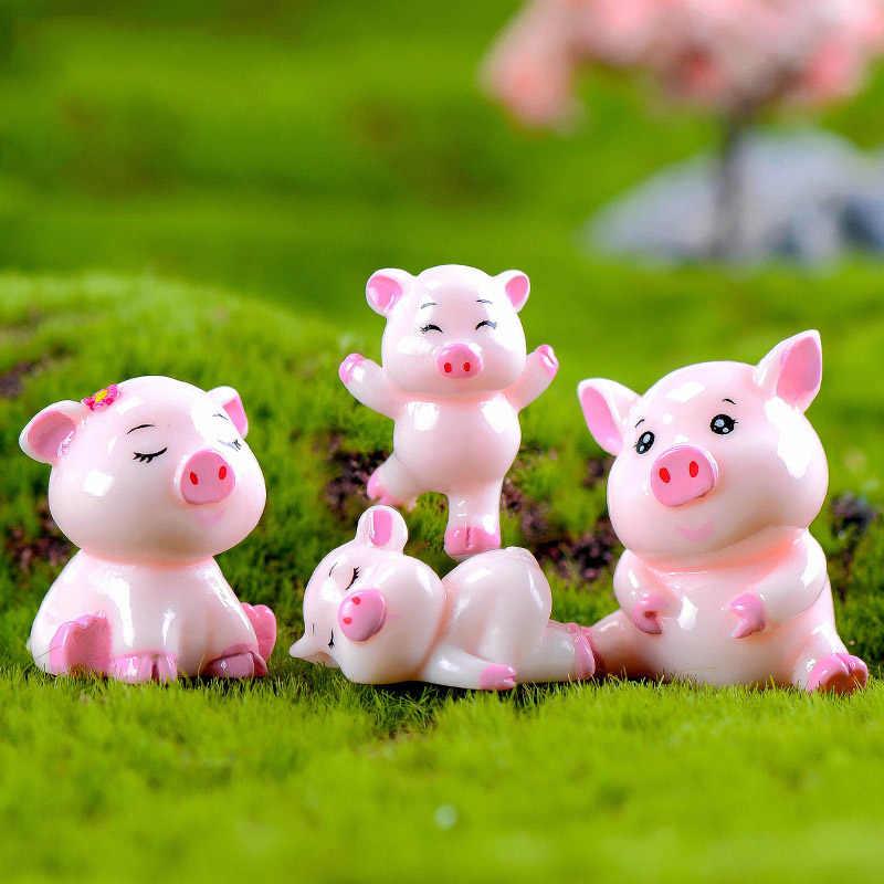 Cute Pig Lover Family Figurine Fun Animal Model Miniature Fairy Garden Decoration Car Statue Resin Craft Dollhouse kits