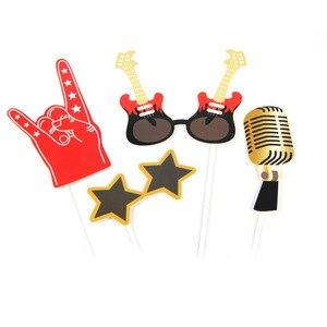 Image 5 - Rock tema festa foto estande adereços 18 pc/set para festa de aniversário fontes música festa vibrações rock & rolo concerto foto prop