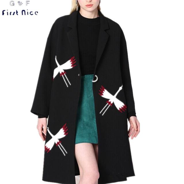 Fosa de las mujeres 2016 Nuevo Otoño Invierno Negro Pájaro Bordado Apliques Solo Botón Casual Femenino Largo ancho-waisted Outwear