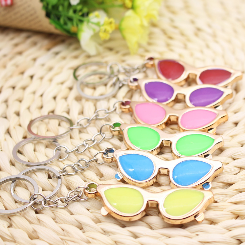 FREE SHIPPING BY DHL 100pcs lot Novelty Plastic Glasses Shaped Keychains Spectacles Keyrings Gifts