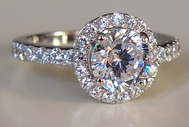 FreeShipping Luxury quality 3 carat round brilliant cut NSCD synthetic dia  mond halo engagement rings for f9bb6ccc3