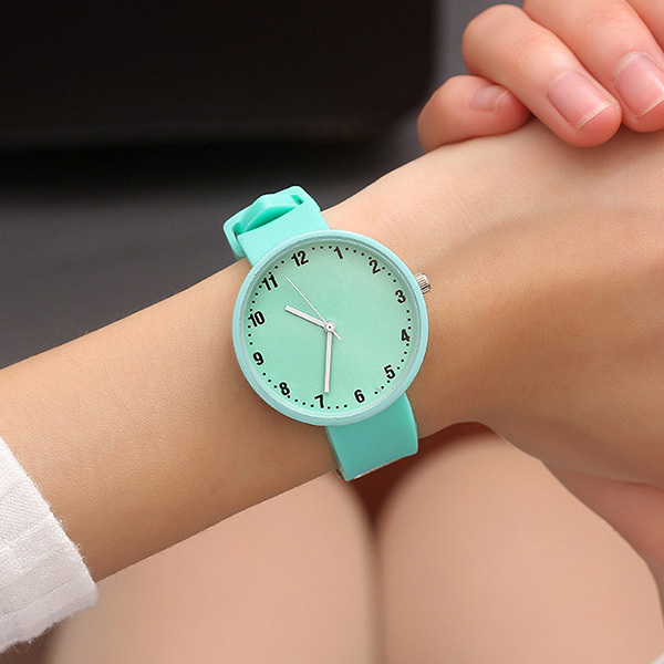 Silicone Wrist Watch Women Watches Ladies Fashion Quartz Wristwatches For Woman