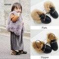 Koovan crianças fur shoes 2017 primavera venda quente meninas chinelos cabelo do coelho de pelúcia pai-filho shoes sandálias de couro quente