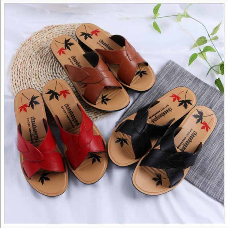 2019 summer new middle-aged mother shoes casual and comfortable simulation leather sandals(China)