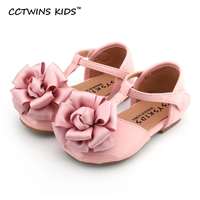CCTWINS CRIANÇAS 2017 criança moda rosa do partido da flor do bebê da criança menina de couro pu marca garoto sapato preto liso T Cinta-sandália G1005
