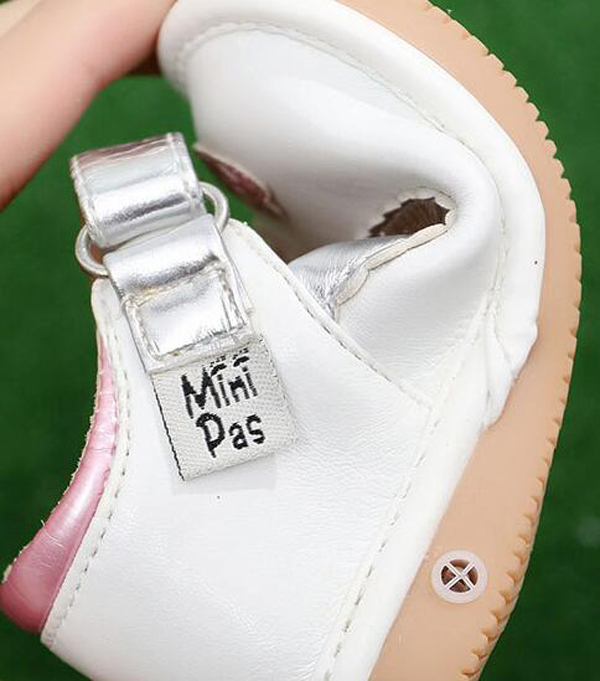 little girls squeaky shoes squeakers 1 3 years kids handmade love hearts shoes spring autumn nina sapatos fun baby silver shoes in Leather Shoes from Mother Kids