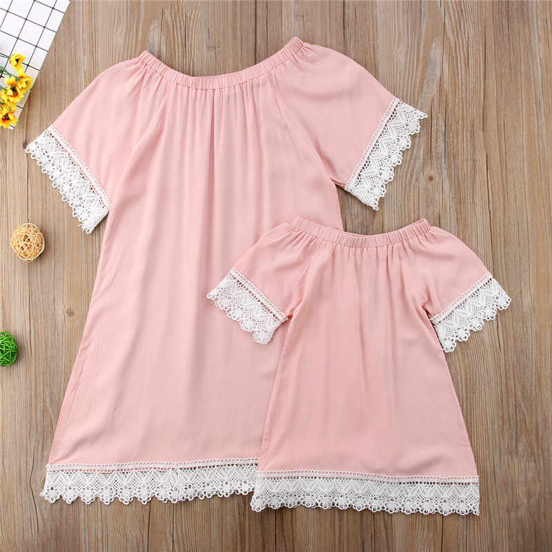 6294ba76a2 2018 Fashion Parent-child Dresses New Mother Daughter Dresses Hot Sale  Womens Kids Girl Short Sleeve Lace Pink Dress Family Look