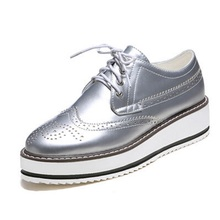 New 2016 style oxford shoes for women chaussures femme,Patent Leather platform oxford shoes for women Brogues flat shoes size 43