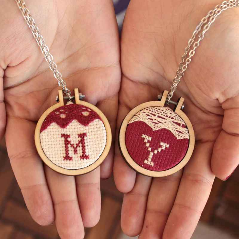 Hot Mini Wood Embroidery Frame Wooden Small Hand Stitching Circle Jewelry Cross Stitch Circle Frame DIY Gift Hoops Craft Tool