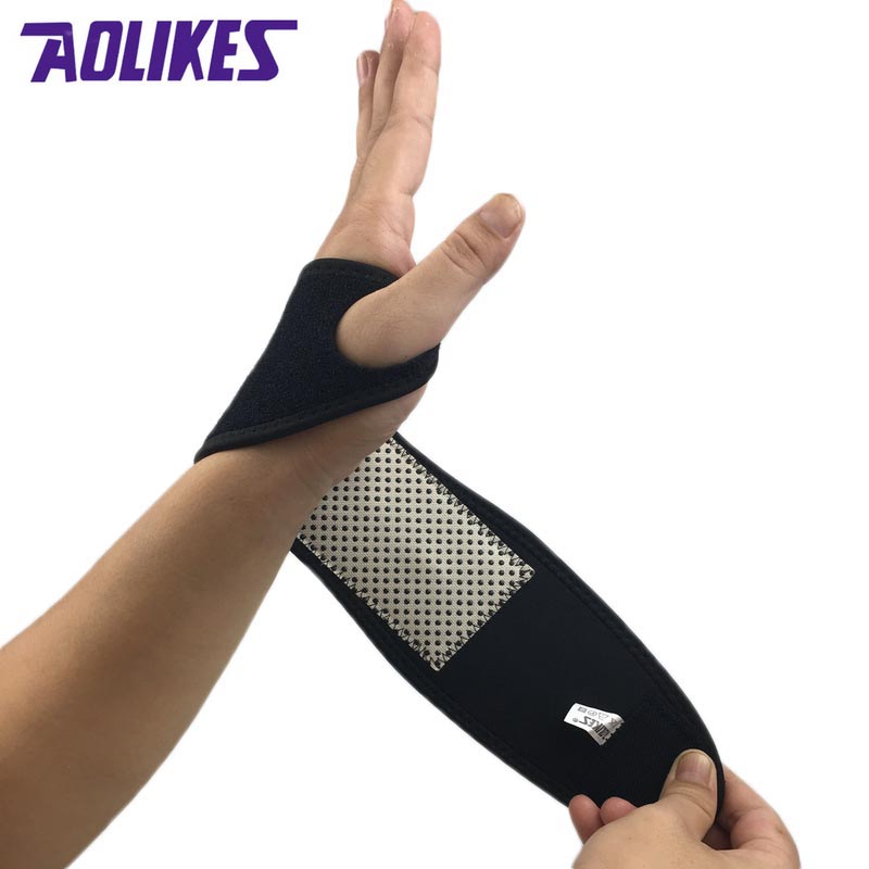 1Pcs Self-heating Magnet Wrist Support Brace Guard Protector Men Winter Keep Warm Band Sports Sales Tourmaline Product Wristband