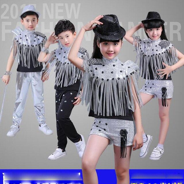 Niños modernos Jazz borlas baile disfraces lentejuelas Niñas Ropa de manga  corta salón de baile Hip b6f6e3f8574