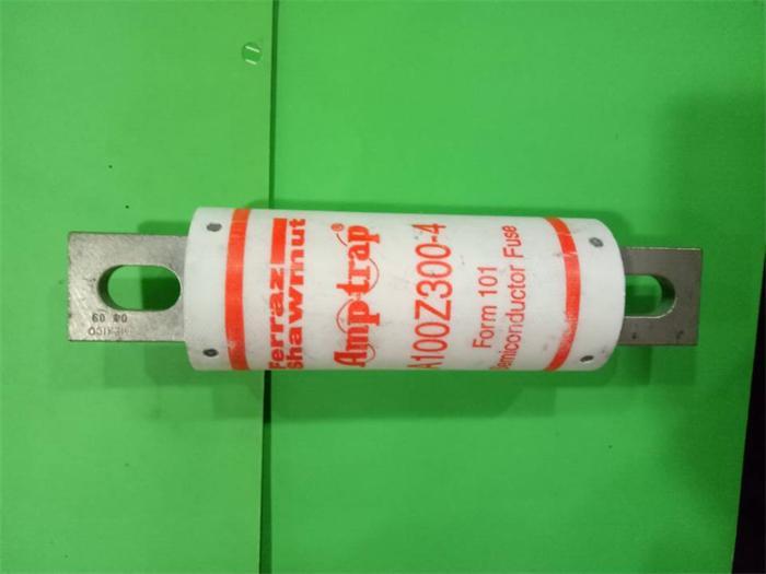 Livraison gratuite 5 pièces A100Z300-4 Ferraz Français fusible fusibles 300A 1000VAC nouveau véritable