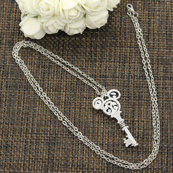 New Fashion Tibetan Silver Color Pendant Vintage Mouse Key Choker Charm Short Long DIY Necklace Factory Price Handmade Jewelry 3