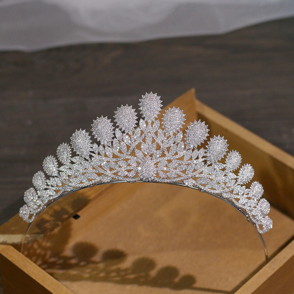 Fashion luxury palace Paved CZ Crown Cubic Zircon Wedding bride banquet dinner Hair Accessories Bride Hair Jewelry free shippingFashion luxury palace Paved CZ Crown Cubic Zircon Wedding bride banquet dinner Hair Accessories Bride Hair Jewelry free shipping