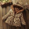 Novo 2016 roupa das crianças outerwear casaco para o menino meninas casaco de inverno mais grosso seção leopardo acolchoado com capuz quente jaqueta de inverno