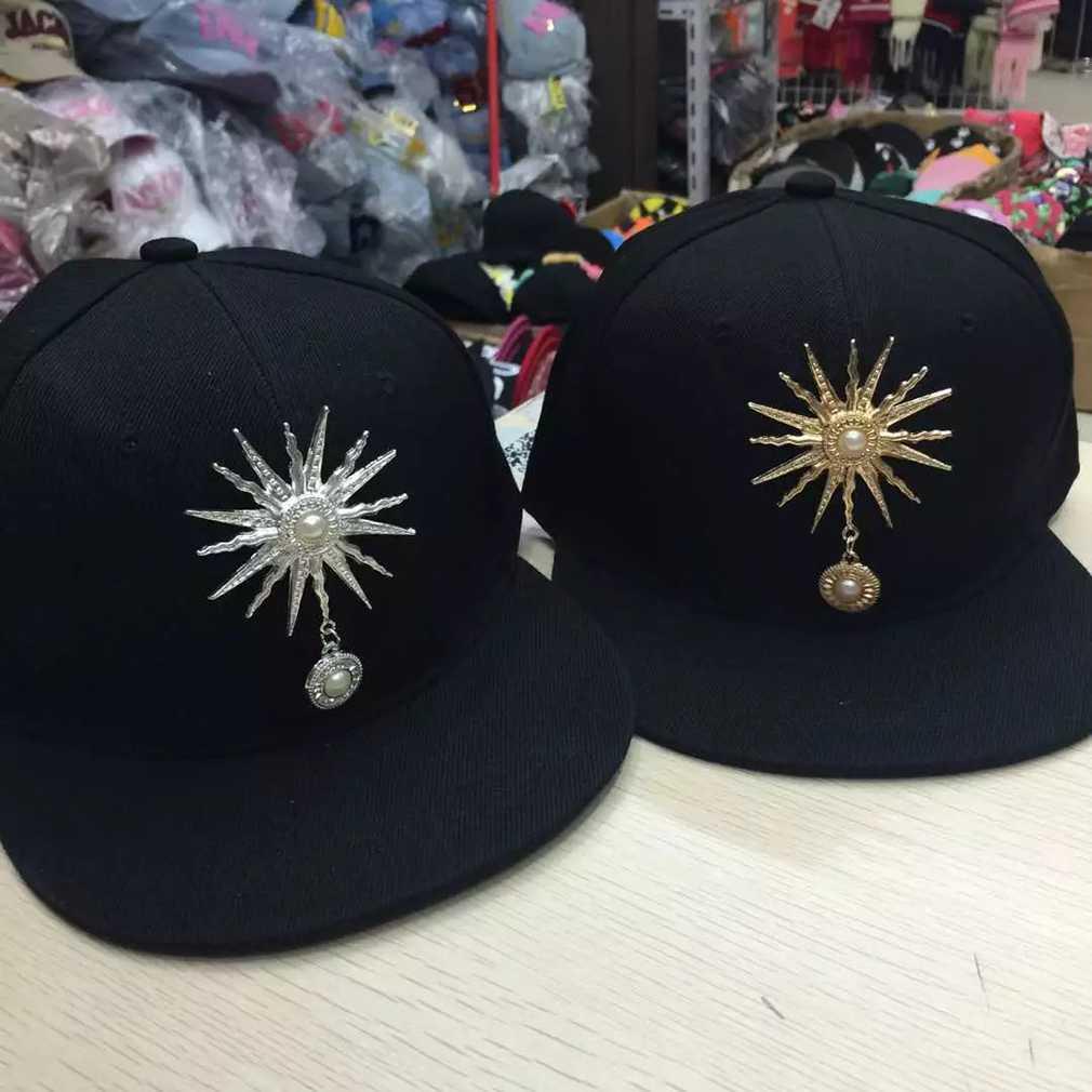 450c7ae84 US $4.2 19% OFF|NEW Korean Style Women Men Caps Trendy Sun Rivet  Decorations Hip Hop Baseball Caps Hat Fashion-in Baseball Caps from Apparel  ...