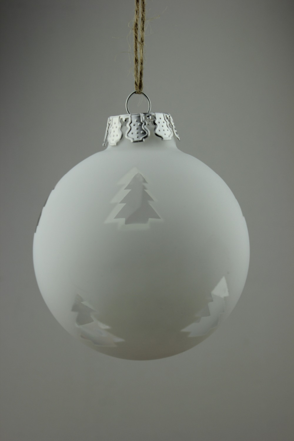 Frosted christmas ornaments - Frosted White Christmas Ornament Balls Glass Xmas Tree Pendants Wedding Decoration Bauble X 4 From Reliable Decor Bauble Suppliers On Baoying Yongxin Glass
