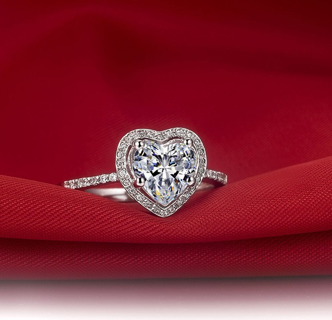 Hollow Heart Shape Micro Pave 925 2CT SONA Synthetic Diamant Ring