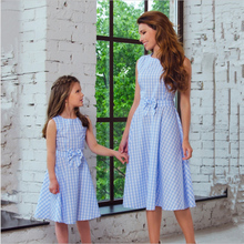 New Fashion Plaid Pattern Bow-Knot Daughter and Mother Princess Dresses Family Matching Clothes Beach Dress